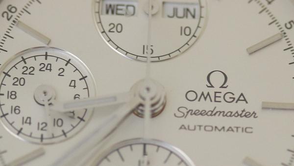 timeless design e6a2f efd6e オメガの修理代は正規と正規以外で料金がどのくらい違うのか ...